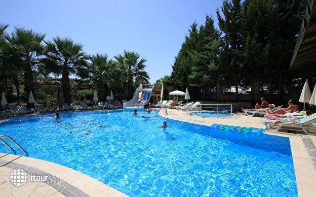 Hera Beach Hotel 7
