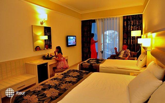 Maritim Hotel Saray Regency Hotel 4