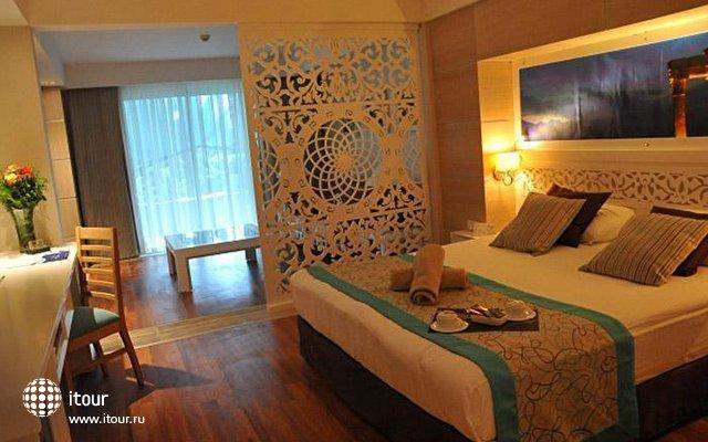 Crystal Sunset Luxury Resort & Spa 3