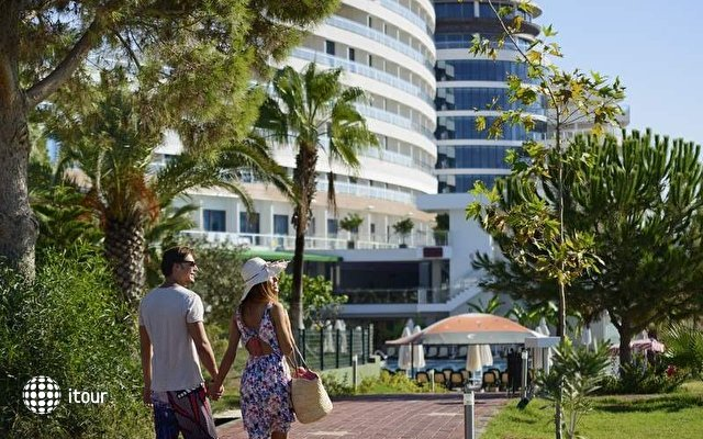 Raymar Hotel & Resort 7
