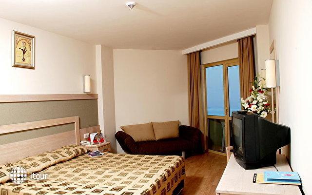 Side Breeze Hotel 5