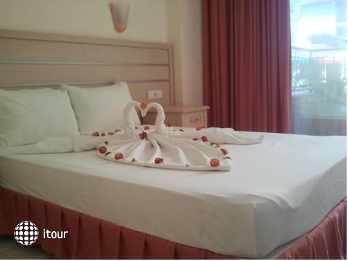Summer Rose Hotel 4