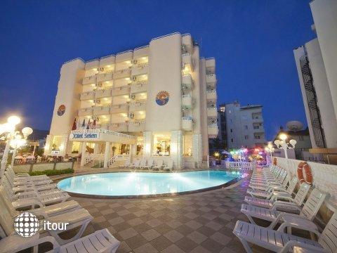 Selenium Hotel 1