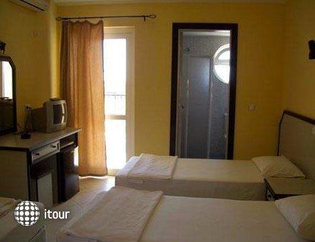 Sahara Hotel 7