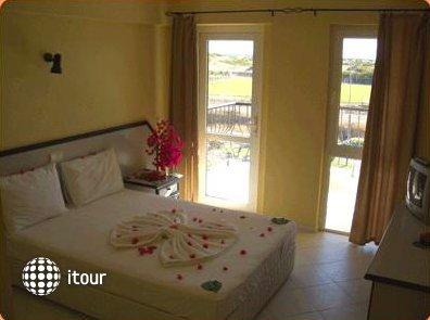 Sahara Hotel 8