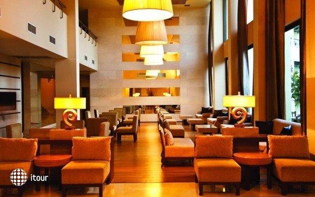 Side Ally Hotel 4