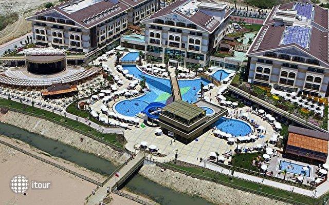 Crystal Palace Luxury Resort & Spa 1