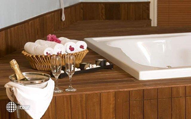 Crystal Admiral Resort Suites & Spa 7