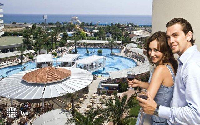Crystal Admiral Resort Suites & Spa 6