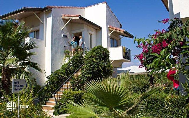 Lyra De Luxe Hotel 4