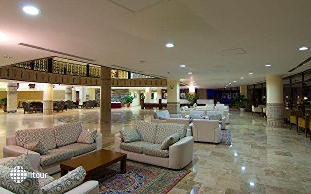 Lyra De Luxe Hotel 7