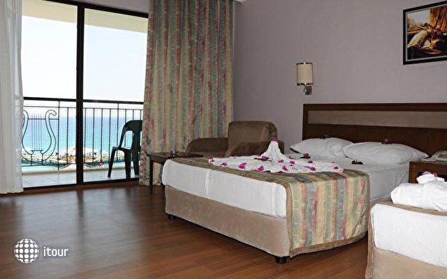 Lyra De Luxe Hotel 3