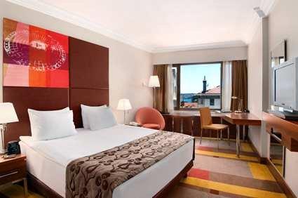 Hilton Parksa Istanbul Hotel 8