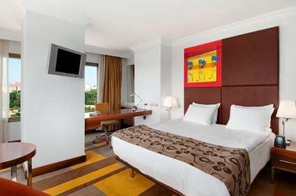 Hilton Parksa Istanbul Hotel 4