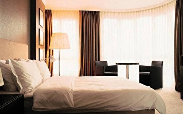 Bentley Hotel 2