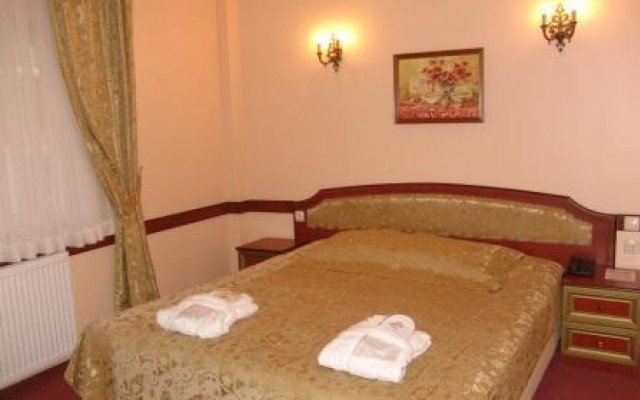 Adora Hotel 2