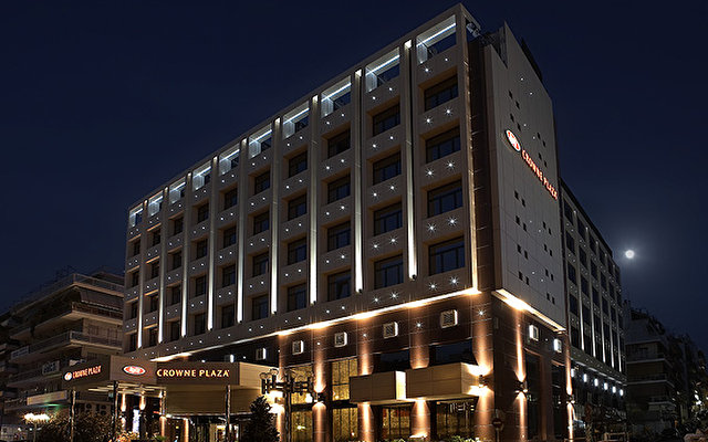Crowne Plaza Old City 1