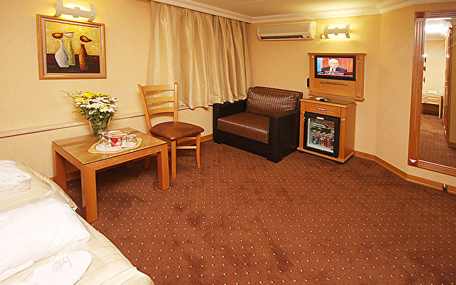 Star Hotel 2