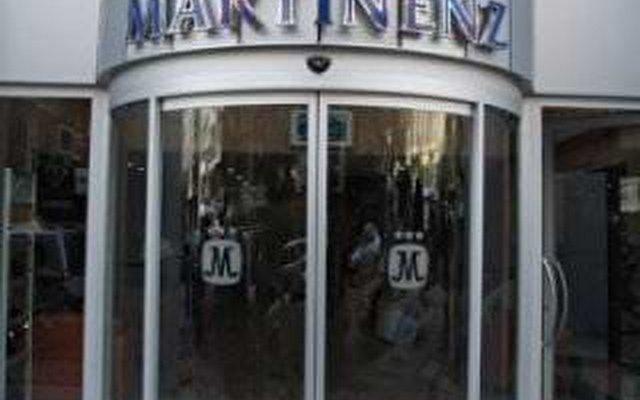 Martinez 10