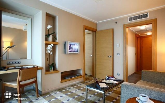 Housez Suites & Apartments 7