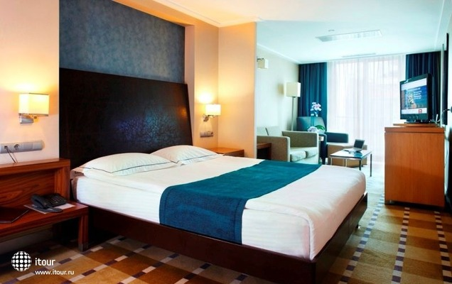 Housez Suites & Apartments 1