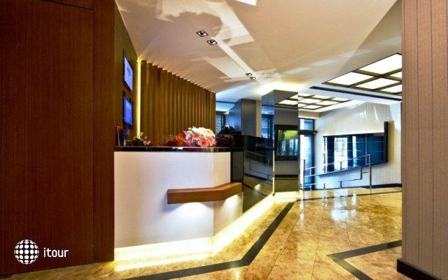 Collage Cihangir Hotel 6