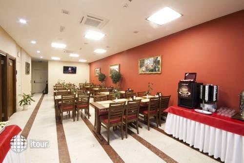 Aprilis Hotel 3