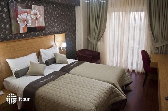 Abel Hotel 9