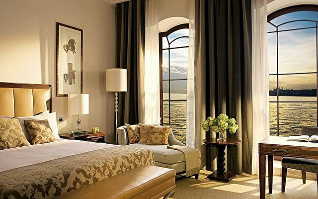 The Ritz Carlton 5