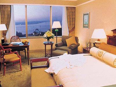 The Ritz Carlton 8