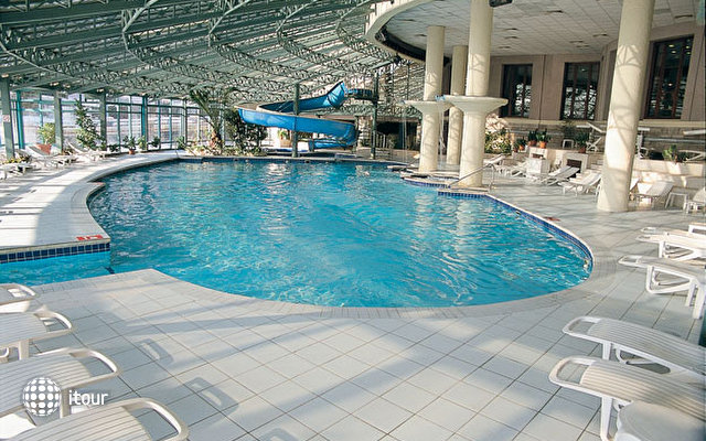 Klassis Resort Hotel 5