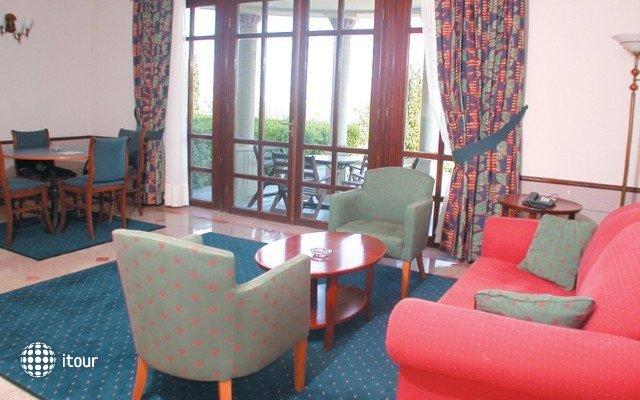Klassis Resort Hotel 9