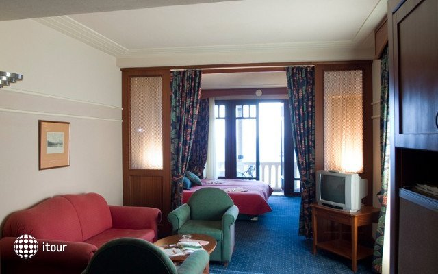 Klassis Resort Hotel 6