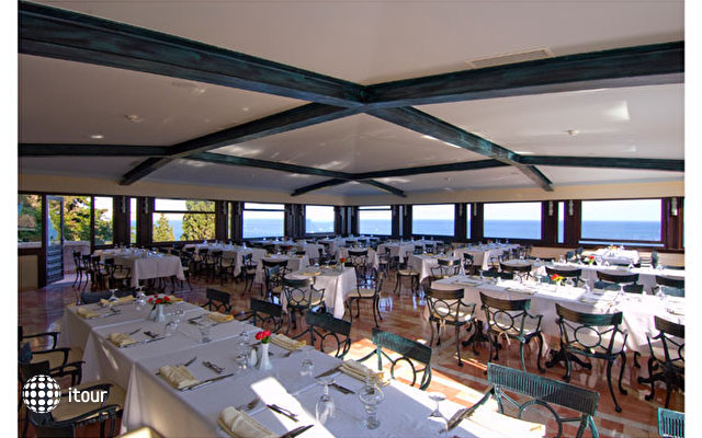 Klassis Resort Hotel 4