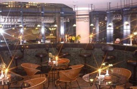 Euro Plaza 10