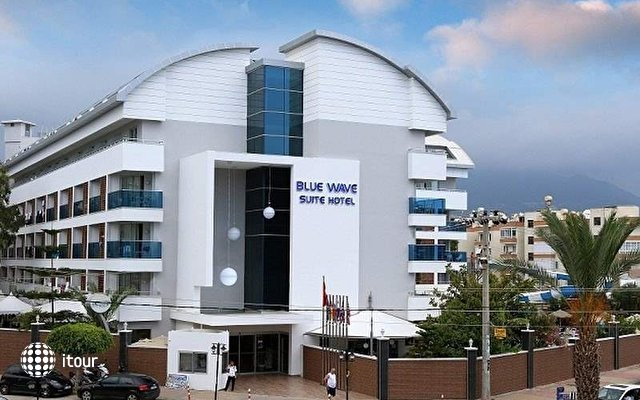 Blue Wave Suite Hotel 1
