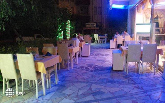 Blue Dream Hotel 8
