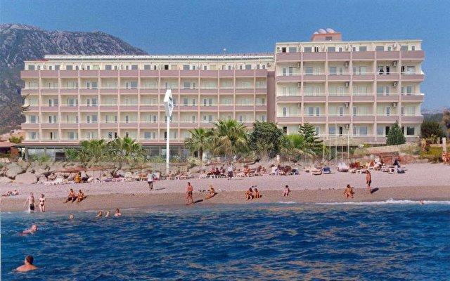 Royal Ideal Beach Hotel 2