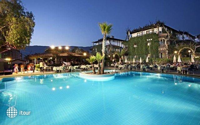Club Hotel Titan 4