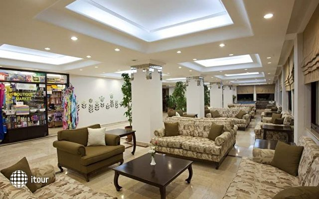 Club Hotel Titan 10