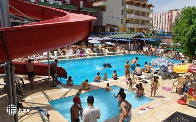 Club Bayar Beach 4