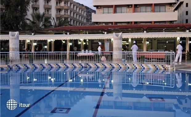 Mirabell Hotel  1
