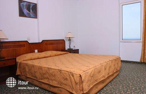 Xeno Hotel  Sonas Alpina 4