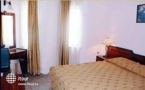 Xeno Hotel  Sonas Alpina 7