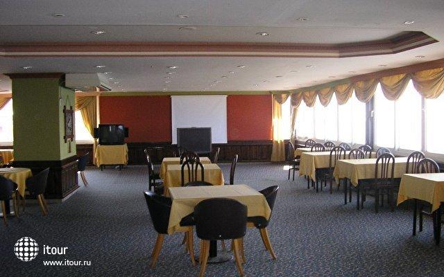 Xeno Hotel  Sonas Alpina 8