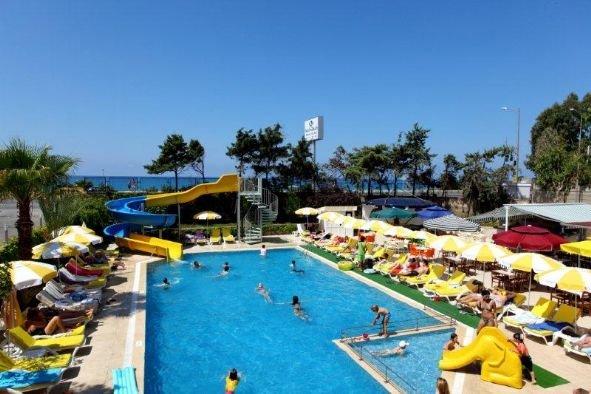 Merlin Beach Park Hotel 4