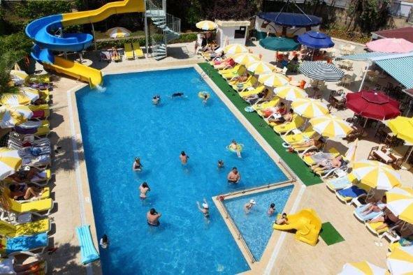 Merlin Beach Park Hotel 6