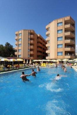 Merlin Beach Park Hotel 9