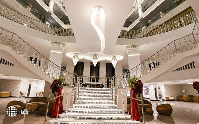 Q Premium Resort  9