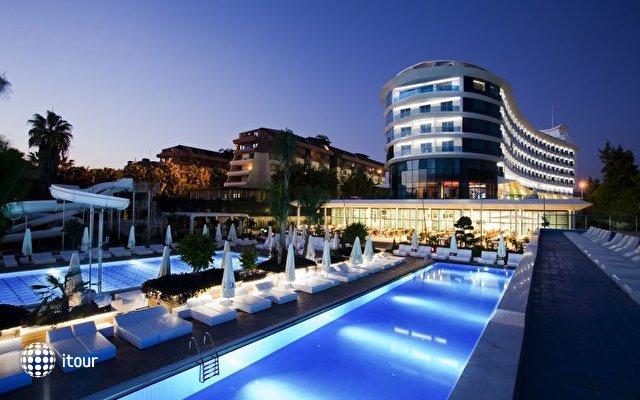 Q Premium Resort  5